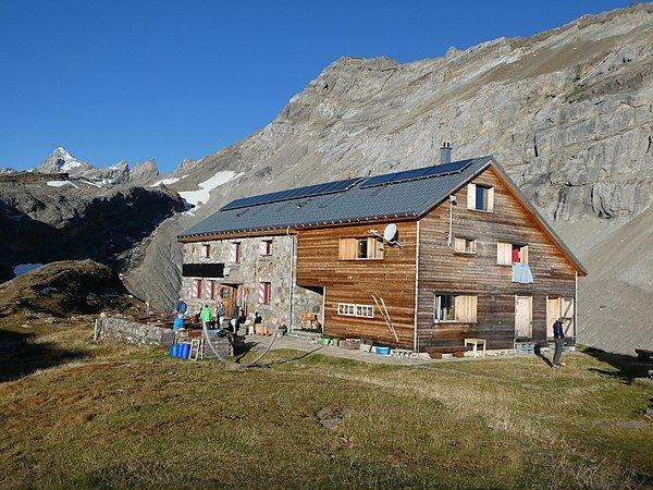 600px-Claridenhütte